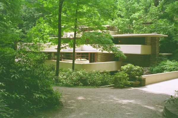 Fallingwater pictures house from driveway approach frank for The canyons at falling water